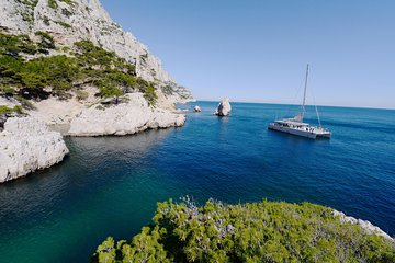 Brunch Calanques Day Cruise