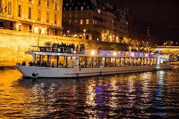 Croisière de Paris - le dîner festif avec chanteurs live