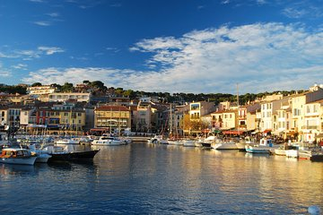 Aix en Provence and Cassis Small Group Tour from Marseille