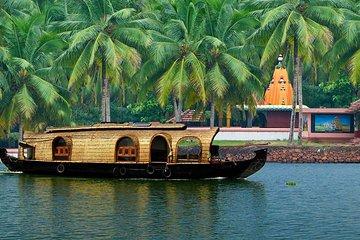 Kochi Private Tour: Kerala Backwater Houseboat Day Cruise