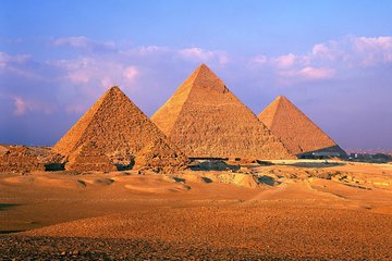 Day Tour to the Pyramids of Giza, Egyptian Museum and Khan El khalili Bazaar