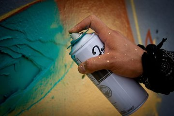Graffiti Tour with Spray Painting Workshop in Austin
