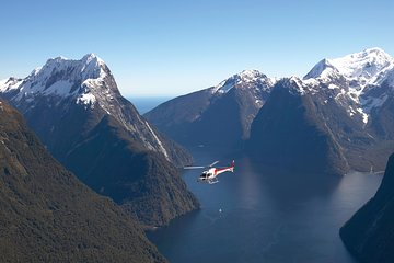 Half-Day Milford Helicopter Flight and Cruise from Queenstown