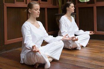 Meditation Class at Wat Mahathat Temple in Bangkok