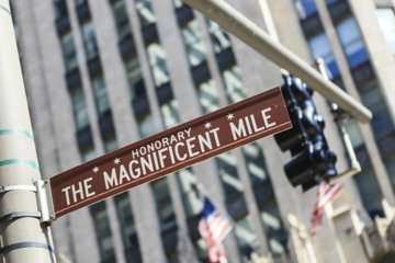 A Most Magnificent Mile Shopping and Sightseeing Tour