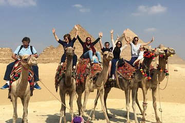 10 Hours Cairo Layover Tours Visit Giza Pyramids and Egyptian Museum and Bazaar