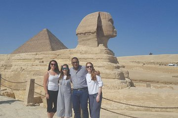 guided tour to Giza Pyramids, sphinx &Egyptian Museum with king TUT ANKH AMON