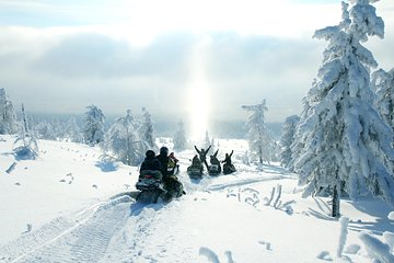 3 hours Snowmobile Guided Tour/Rental 1 hour from Montreal