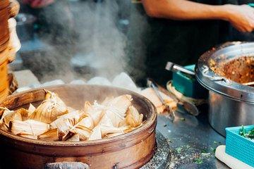 Taipei Street Food & Night Market Tour with a Local: Private & Custom ★★★★★