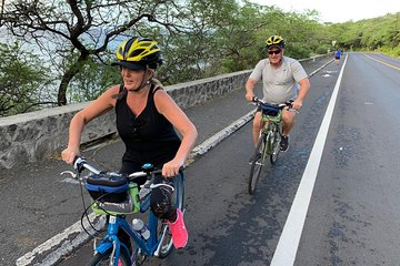 Diamond Head Bike to Hike and Local Lunch