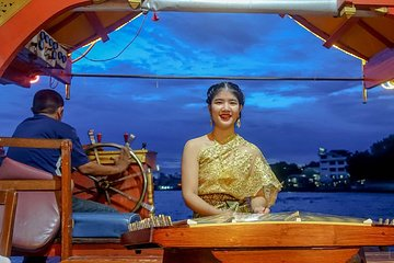 Crucero con cena Wan Fah desde...