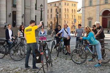 2-hour city tour by bike in Munich to the hotspots of the Isar metropolis