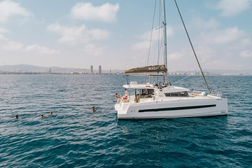 Unique BBQ experience in a luxury catamaran in Barcelona