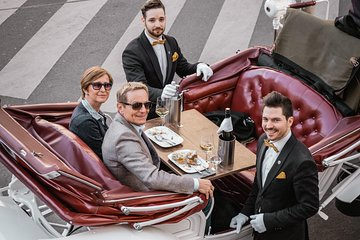 Vienna Private Horse-Carriage Ride With Viennese Delicacies