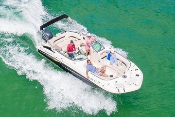 Paseo en bote privado en el bote con cubierta Hurricane - Clearwater Beach | 2021 | Viator