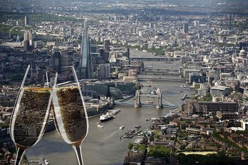 London Sightseeing Flight for 2 with Champagne