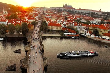 Prague Evening Cruise with Buffet-Style Dinner and Live Music