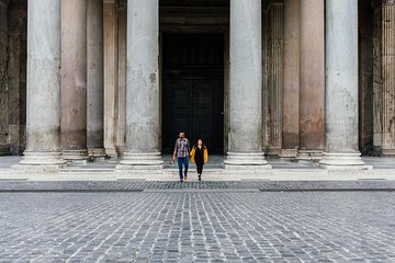 30 Minute Private Vacation Photography Session with Local Photographer in Rome
