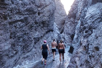 White Rock Canyon and Desert Hot Springs Hiking Day Trip from Las Vegas