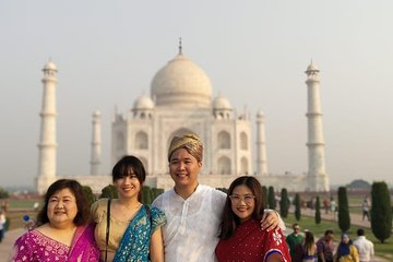 Taj Mahal and Agra Fort Full-Day Tour with Lunch from Delhi
