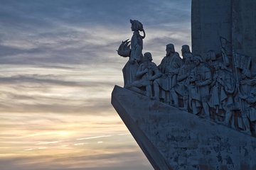Belém District and the Salazar Dictatorship Legacy - Private Walking Tour