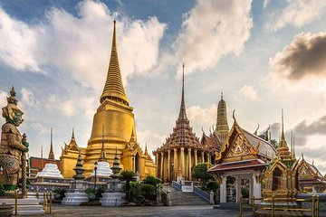Royal Grand Palace and Bangkok Temples: Half Day Tour