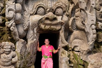 Sacred Monkey Forest, Yeh Pulu Ancient Relief and Elephant Cave Temple Day Tour