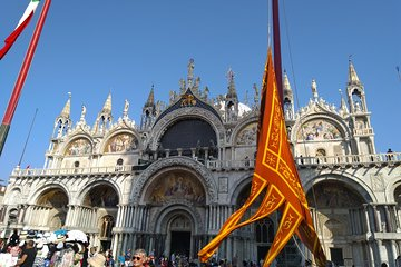 The best of Venice and Murano in one day private tour on foot and by boat