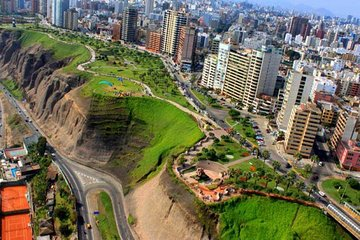Lima Bike Tour: Biking The Green Coast & El Morro Hill
