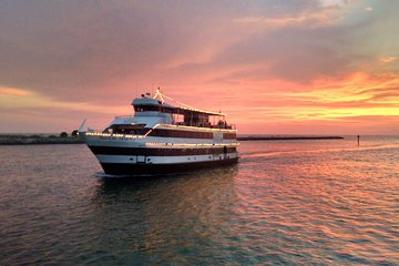 Clearwater Evening Yacht Cruise with Optional Dining