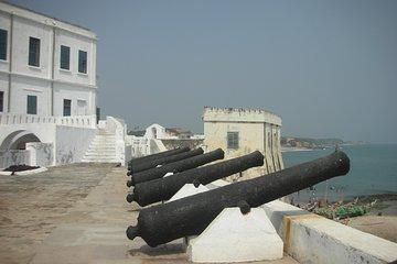 Elmina & Cape Coast Castles dagstur...