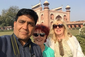 Golden Triangle Tour with overnight stay at Royal Fort