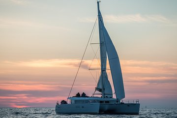 Cruzeiro de catamarã privado de luxo...