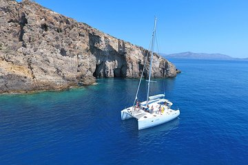 Athens Highlights with Catamaran Cruise Including Meal. Private Tour from Athens