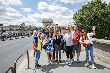 Budapest Combo City Walking Tour and Danube River Dinner Cruise
