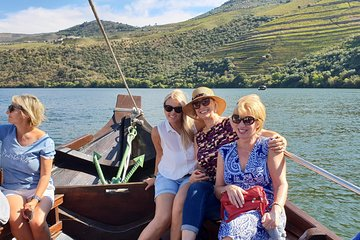 Small Group Douro Valley and Wine Full Day Tour with Lunch and Tastings