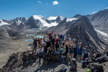 8 Days Trekking in Kyrgyzstan: Alay Mountains Adventure