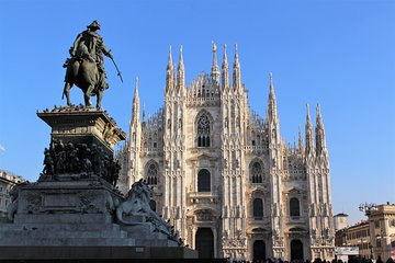 Fast Access Milan Duomo & Rooftops Treasure Hunt for Kids & Families with Prizes