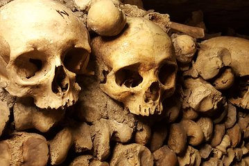 Skip the Line: Catacombs of Paris Ticket and Audio-Guide