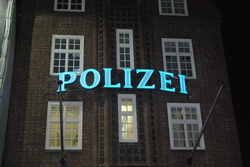Ahoy St.Pauli at night - the legendary Kieztour
