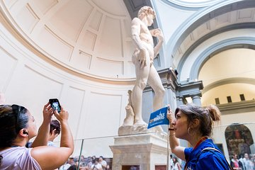 Best of Florence Walking Tour with Skip-the-Line at Michelangelo's 'David'