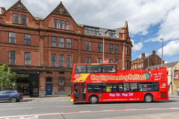Combo: Titanic Belfast Ticket and 48-Hour Hop-On Hop-Off Bus Tour
