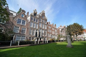 3 hour Amsterdam Private Guide Walking Tour with an Amsterdam born raised Guide