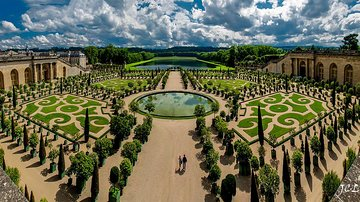 VERSAILLES: Visit the Royal Palace of the Kings of France