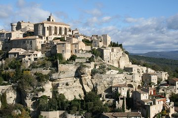 Avignon, Gordes and Roussillon Small Group Day Tour from Marseille