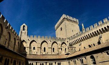 Avignon, Gordes & Roussillon Full Day Small Group Tour from Marseille
