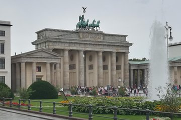 Historical Berlin & Highlights & Licensed Guide (DIN EN 15565)