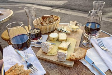 The Marais Walking Food Tour: Cheese, Wine and Delicacies Tickets