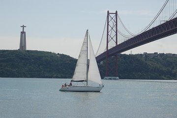 Private Sailing Tour Lisbon 2h
