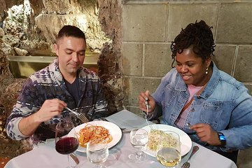 Rome Jewish Ghetto Food & Wine Tour & Guided Visit of Top Sites Lit Up at Night